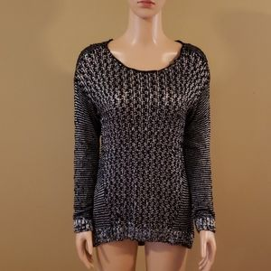 Two by Vince Camuto sweater size small